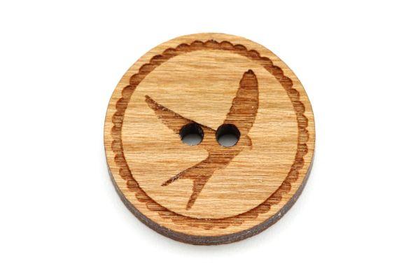 Knöpfe aus Holz mit Gravur Vogel Kirschholz