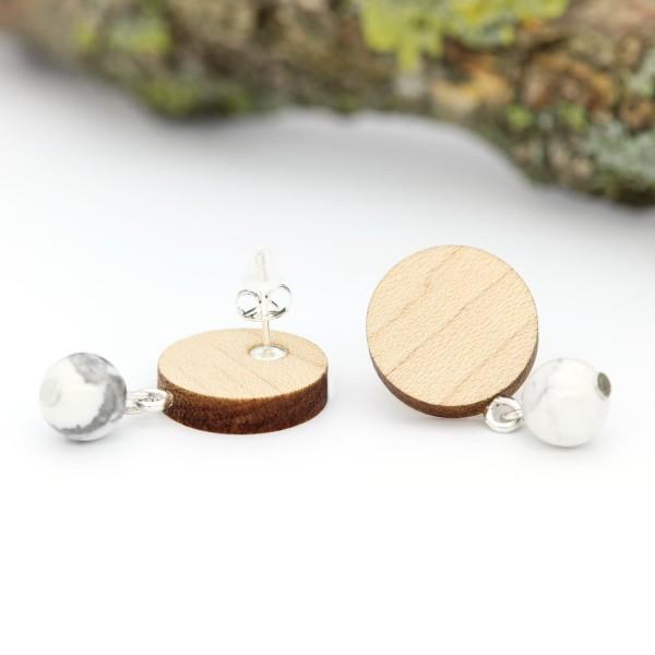 Holzohrringe Ahornholz mit Natursteinperle weiße Silber