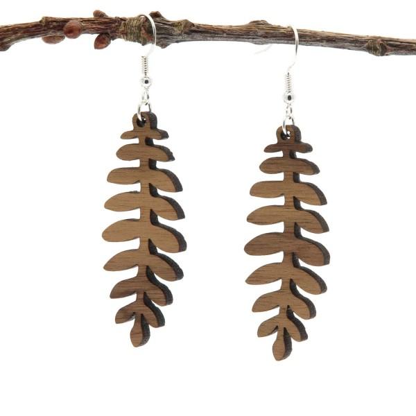 Holzohrring Nussbaum Eschenblatt Form dunkel